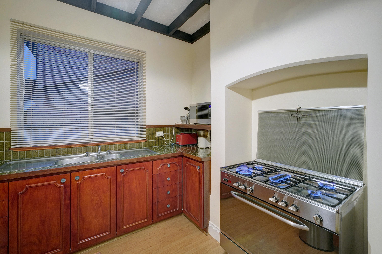 210 Eighth Avenue Inglewood 6052