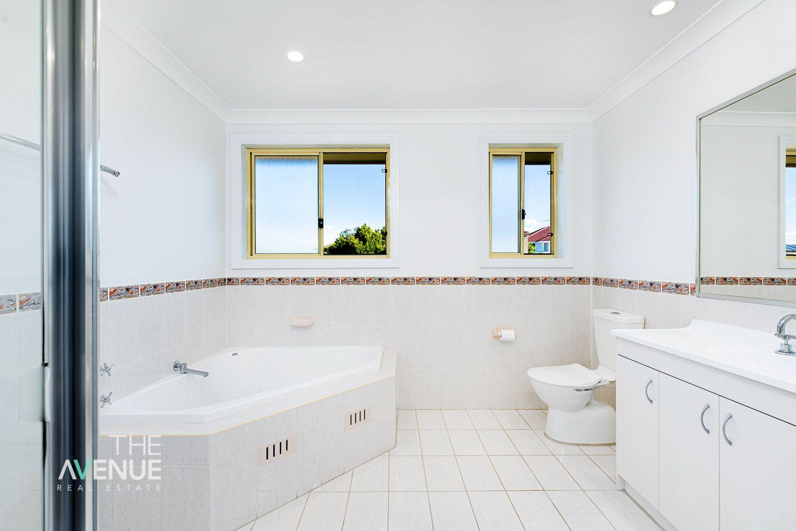11 Sarah Jane Avenue, Beaumont Hills NSW 2155