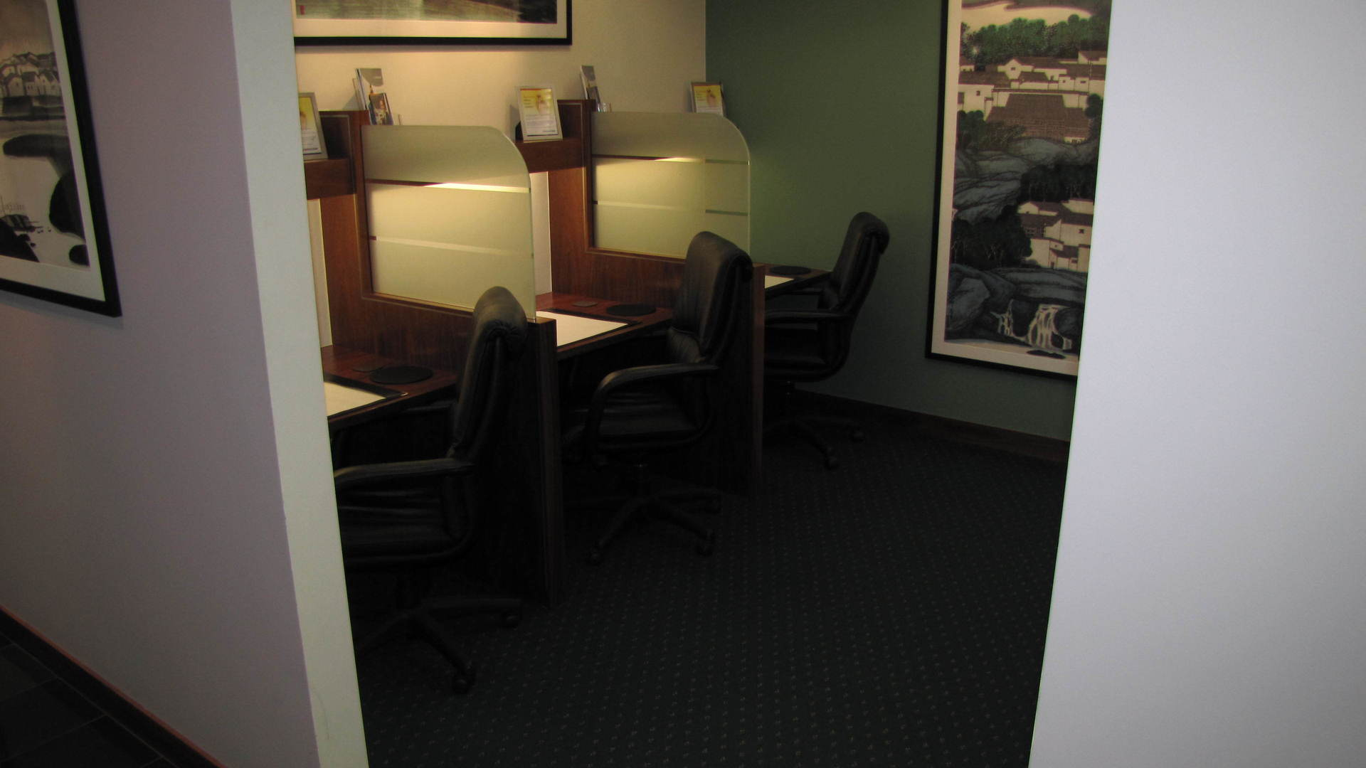 GREAT VALUE MODERN OFFICES SUITES WITH FANTASTIC NATURAL LIGHT