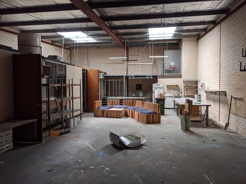 WAREHOUSE WITH OFFICE