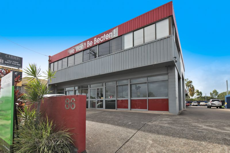 FOR LEASE - REAR SHOWROOM/WAREHOUSE UNIT