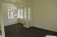 CONVENIENTLY LOCATED 2 BEDROOM APARTMENT