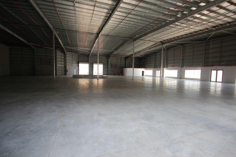 Main Road Showroom Warehouse Complex