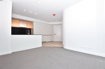 Aurora: 28th Floor - Brand New One Bedroo Apartment in the Heart of Melbourne!