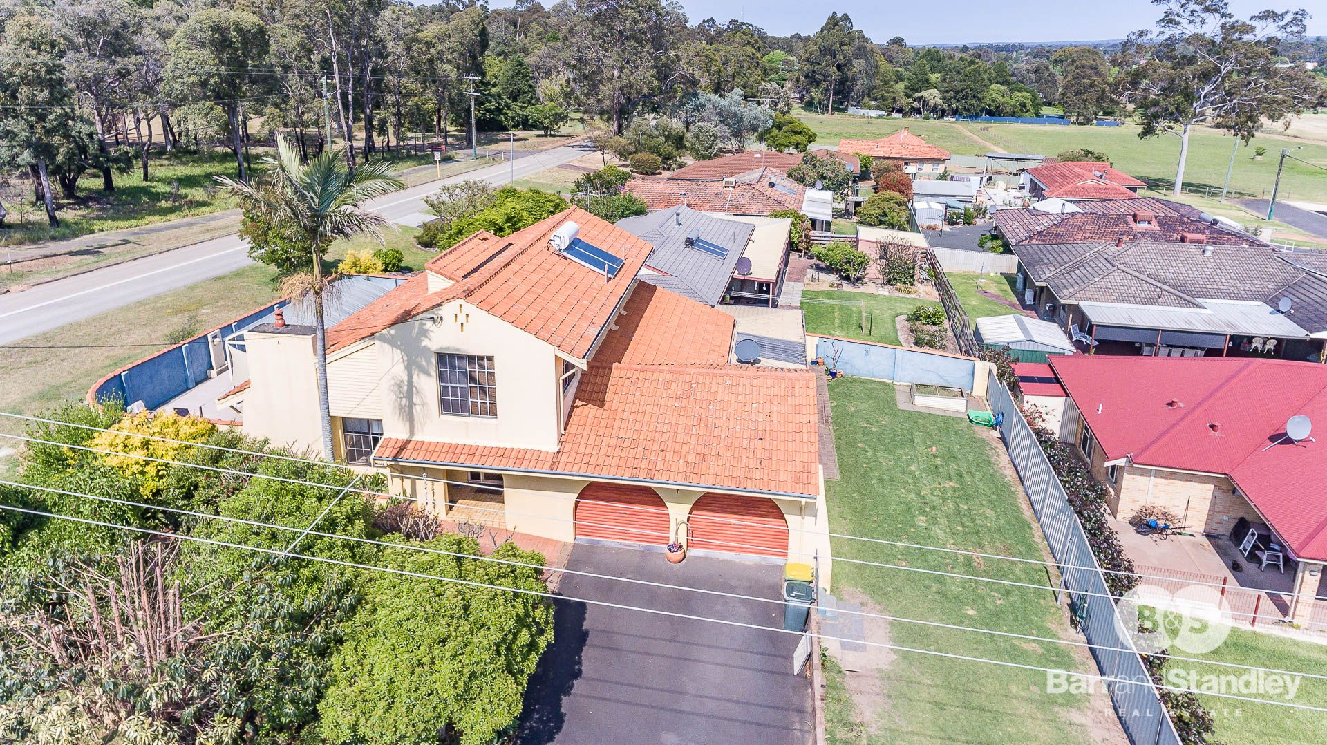 1 Hillside Road, Harvey