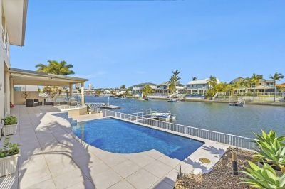 Spectacular Family Home  19m* Waterfrontage