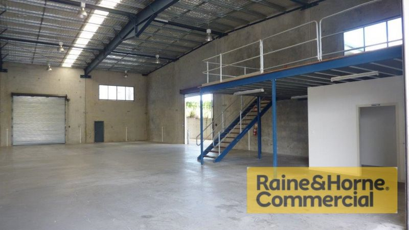 480sqm Office and Warehouse with Hardstand
