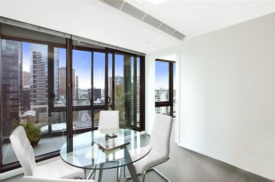 Southbank ONE: 14th Floor - Indulge In Southbank Living!
