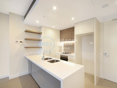 Sunny 2-Bedroom Apartment with Study nook in Zetland