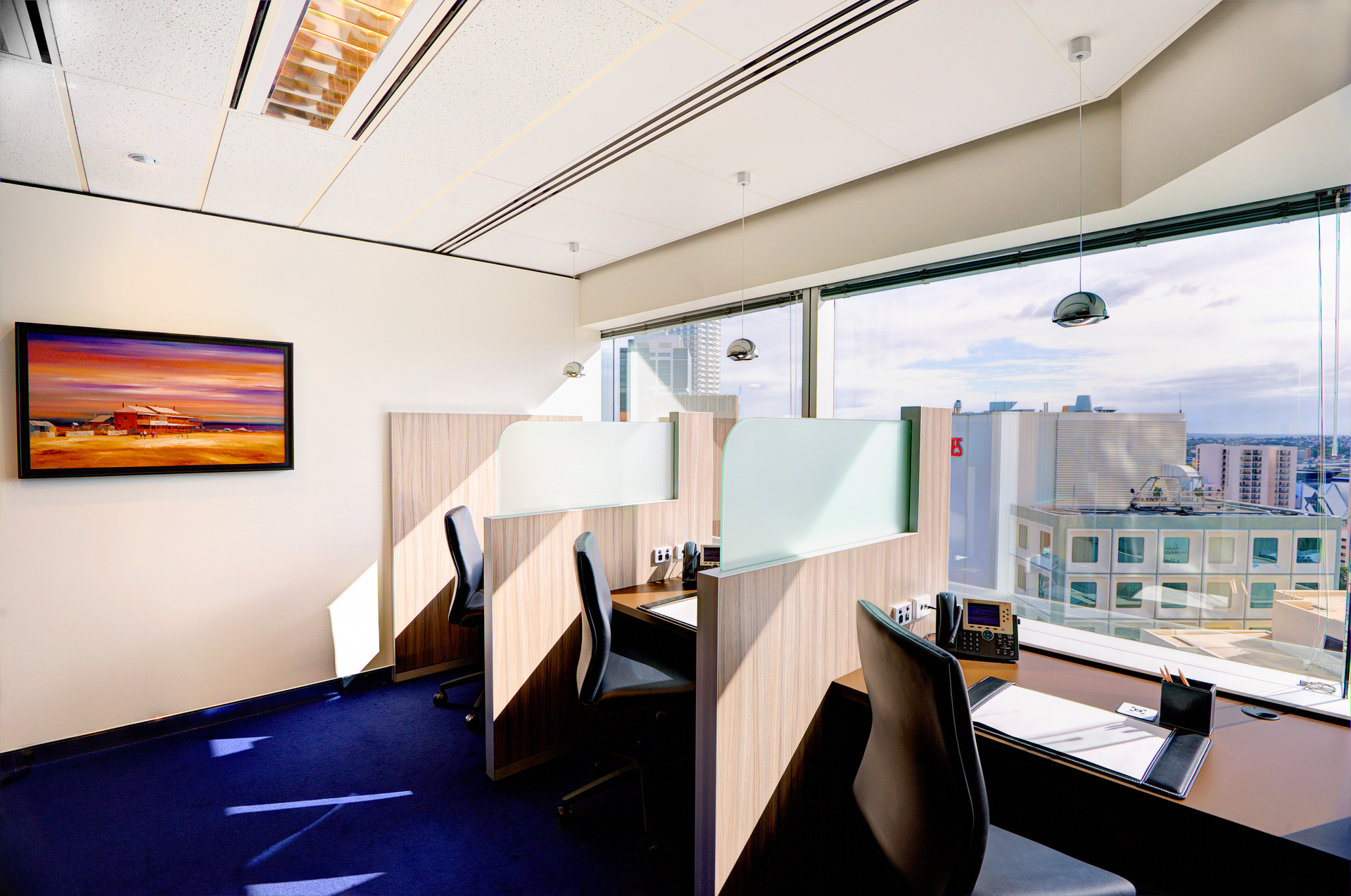 HIGH-QUALITY OFFICE SPACE THAT PROVIDE A WORLD CLASS EQUIPEMENT WITH WONDERFUL VIEWS