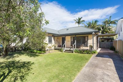 LEVEL FREESTANDING HOME WITH LOADS OF POTENTIAL