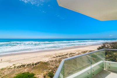 Absolute Beachfront 2bed Must Be Sold