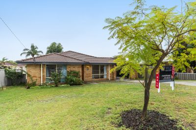 EXCEPTIONAL FAMILY HOME ON A LARGE BLOCK IN A QUIET LOCATION!