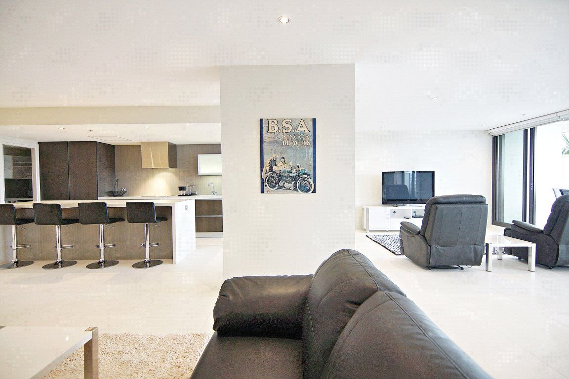 Victoria Point: Enjoy Luxury Living with This One of A Kind Three Bedroom Sub-Penthouse !
