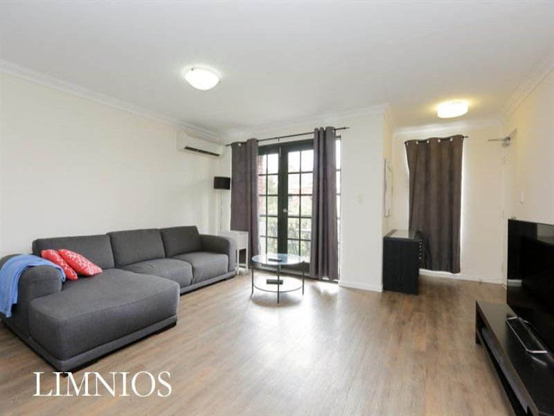 Fully Furnished Inner-city Pad!