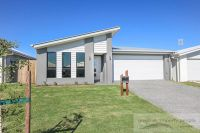 Family Home In Bells Reach, With All The Extras!