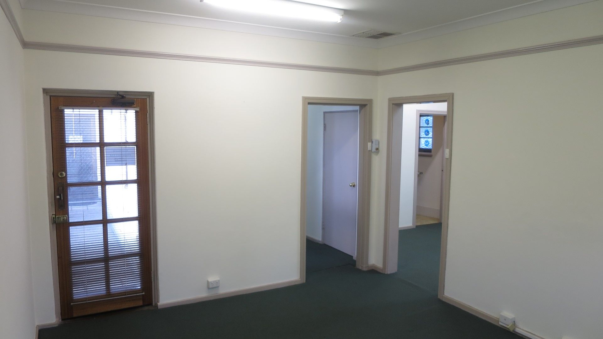 NEAT & TIDY FIRST FLOOR OFFICE IN WEST PERTH