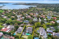 Magnificent Harbour-View Resort-Like Estate With Tennis Court, Pool and Guesthouse