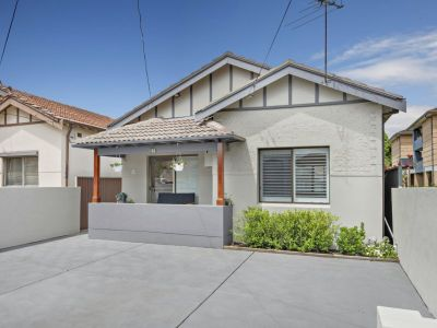 Smart single level style in a freshly renovated home