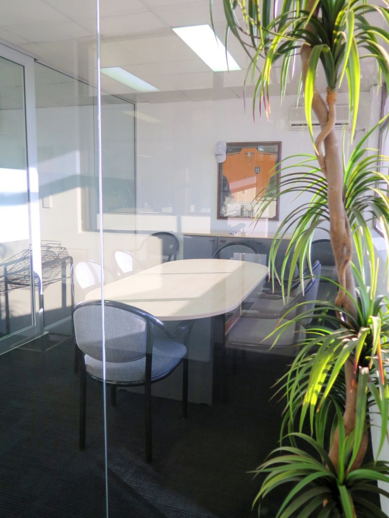 Hot Desk Suite - A Fantastic Opportunity In the Middle of A Business Hub