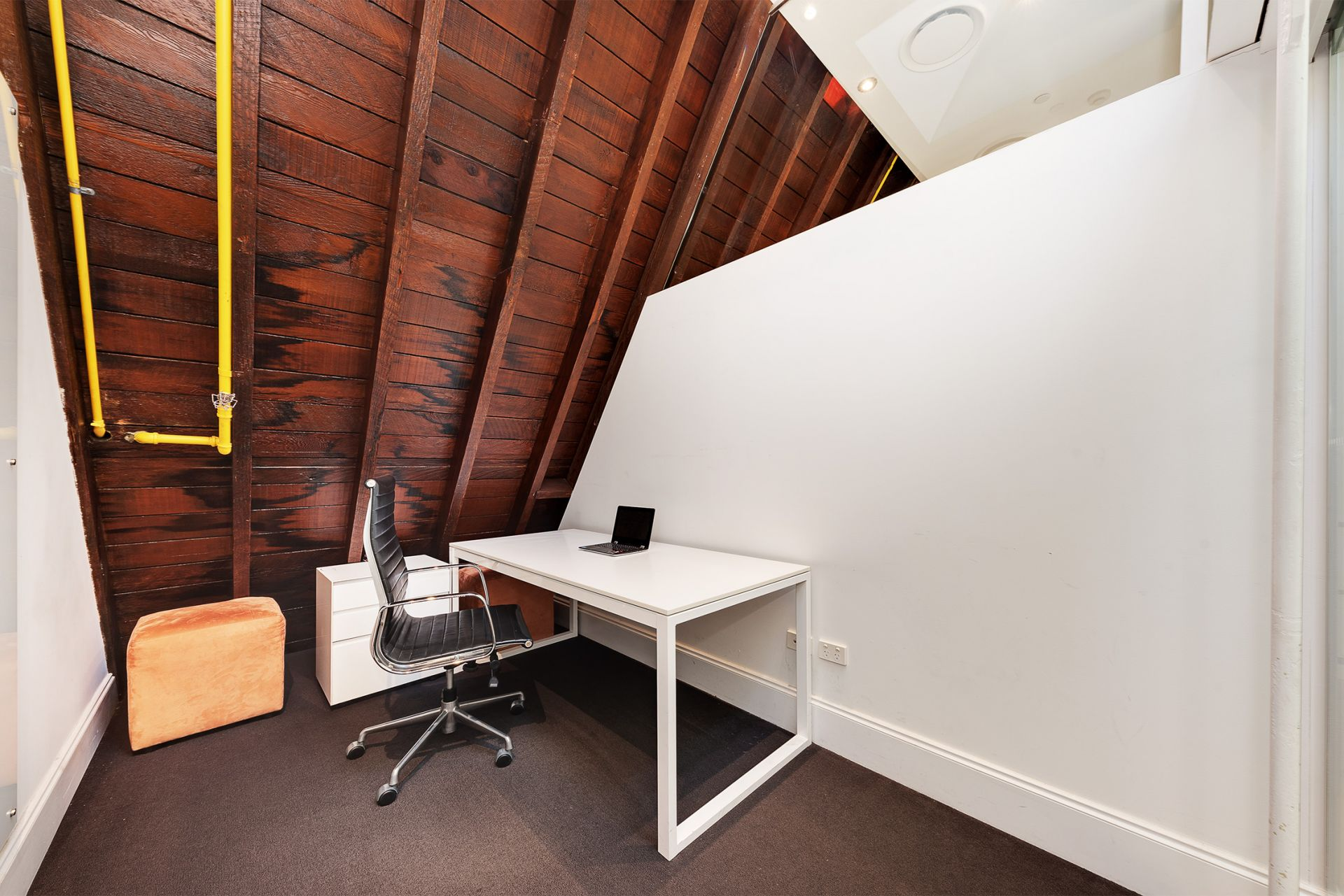 A Fully Fitted Work Space With Endless Character