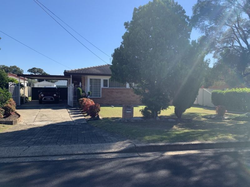 Well Presented Family home with Lawn Maintenance included