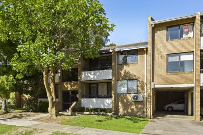 4/1072 Whitehorse Road, BOX HILL