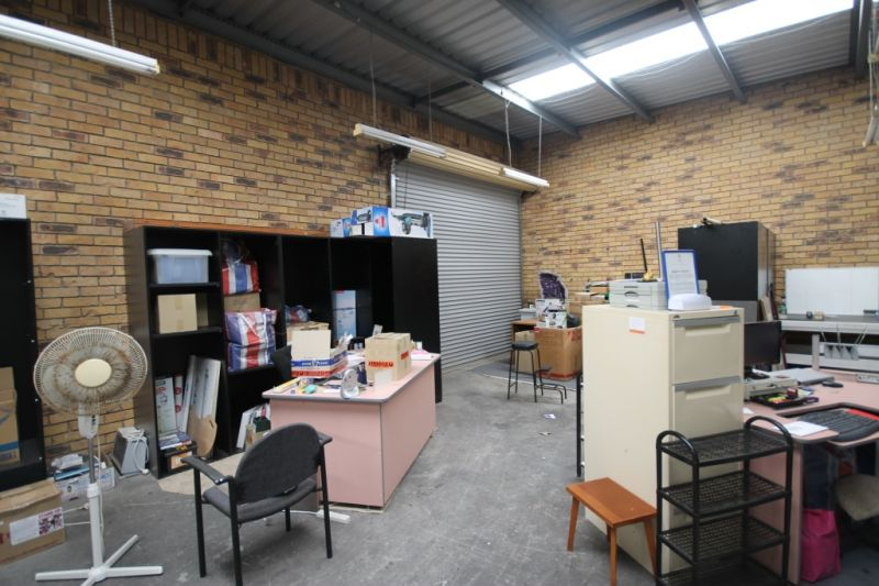 INVESTMENT OR OWNER OCCUPY - FREESTANDING INDUSTRIAL BUILDING