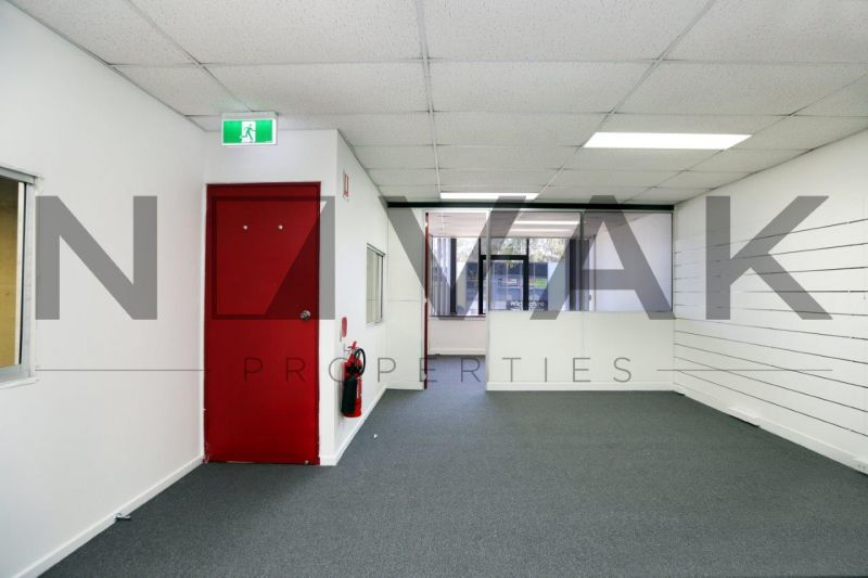 MUST BE LEASED!! QUALITY WAREHOUSE IN WARRIEWOOD