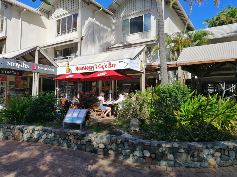 Successful Cafe On Noosa River