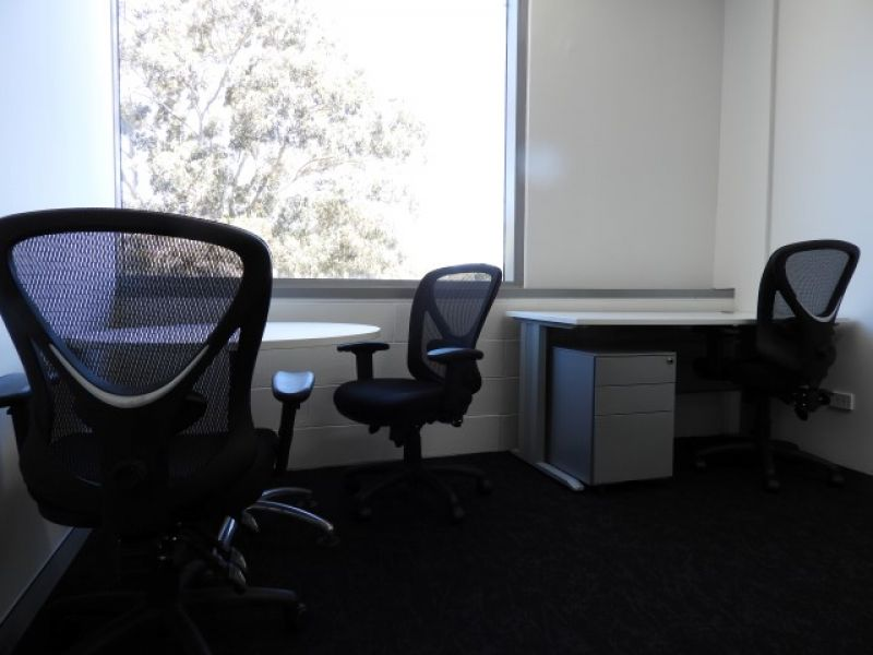 MODERN FURNISHED OFFICE SUITE IN POPULAR LOCATION