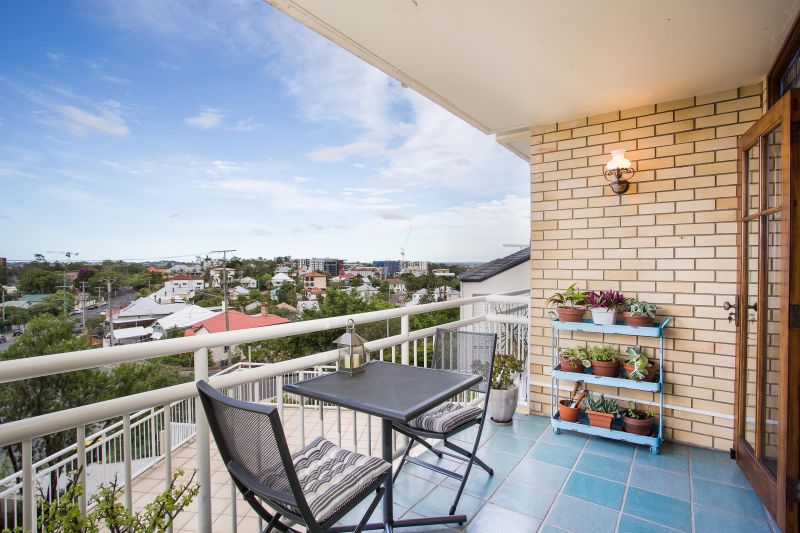 6/7 Prospect Terrace Red Hill 4059