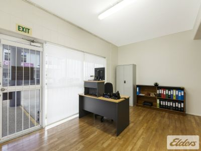 WELL PRESENTED OFFICE/WAREHOUSE - PRICED TO LEASE!