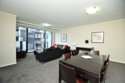 FURNISHED - High on the 32nd floor in Melbourne Tower! L/B