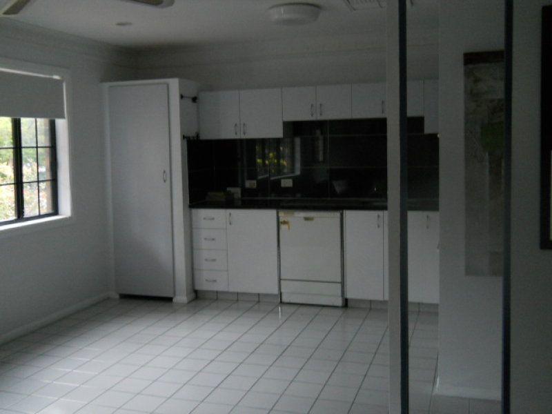 2/255 Weyba Road, Noosaville QLD 4566