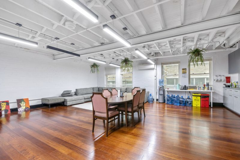Iconic building, Creative suite - ready to occupy