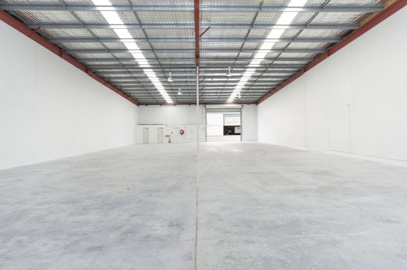 FLAGSHIP 580M2* SHOWROOM - MOTIVATED LANDLORD