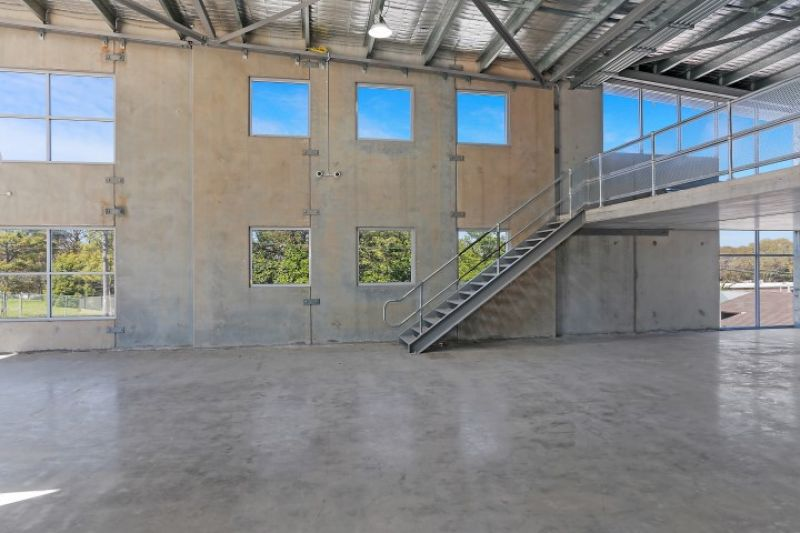 BRAND NEW HIGH CLEARANCE INDUSTRIAL UNITS