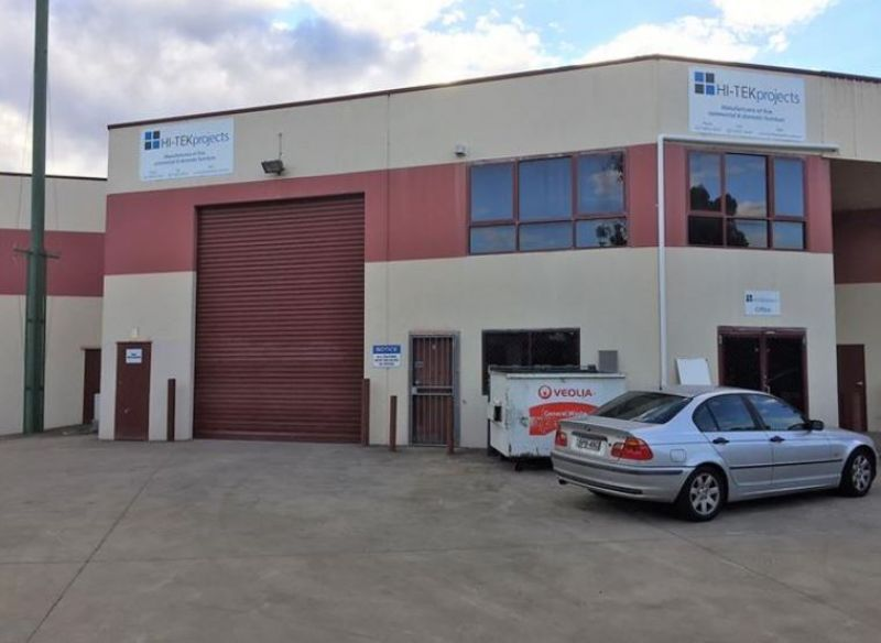 Modern Industrial Unit with Yard Space!