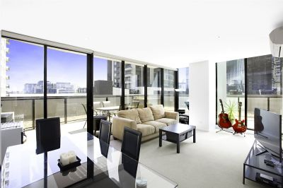 Tiara: 6th Floor - Huge Terrace and Great Location!