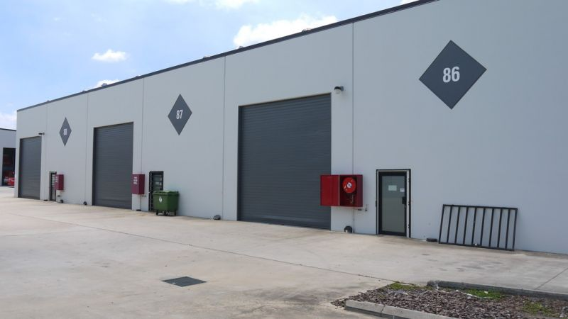 tenanted investment Modern Clearspan Tilt Panel Warehouse In Brendale