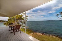 Absolute Waterfront - Port Stephens