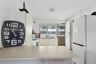 DIRECTLY OPPOSITE THE BEACH!  $150 Coles/Myer Gift card for approved tenant