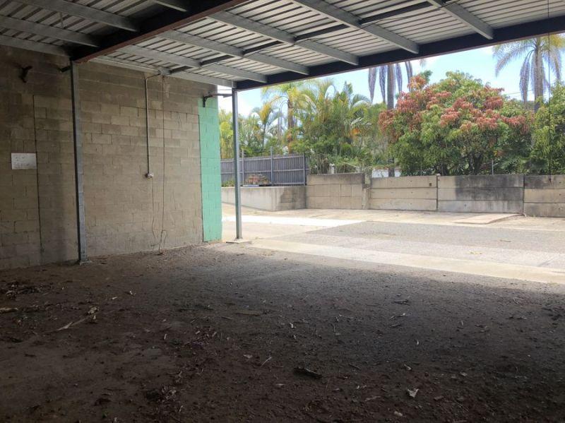Prime corner site - suit future development *STCA