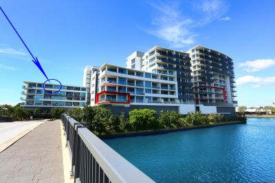Penthouse Resort Living, Water Views, Mountain Vistas, 2 Side by Side Carparks