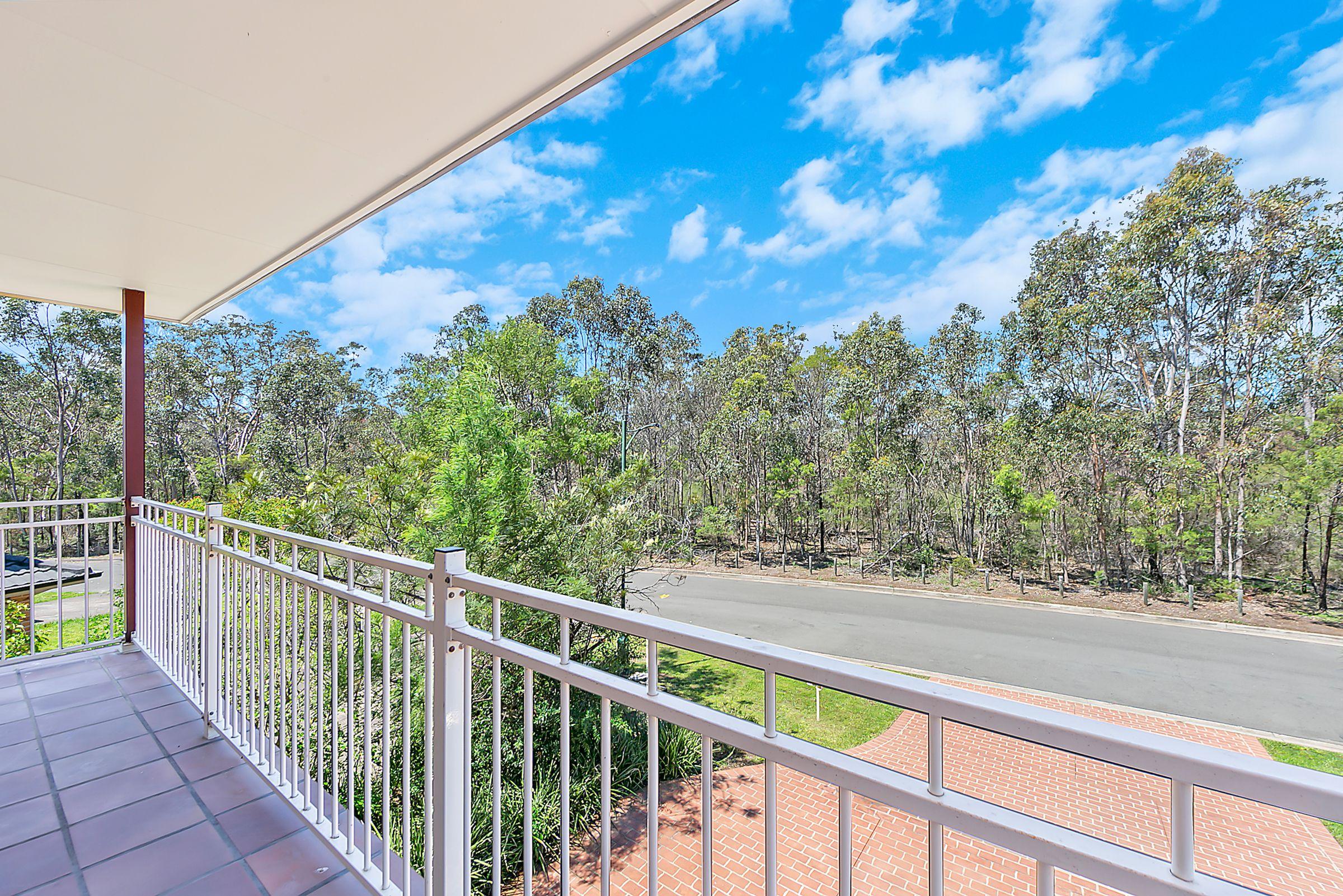 30B Fullerton Circuit, St Helens Park NSW 2560
