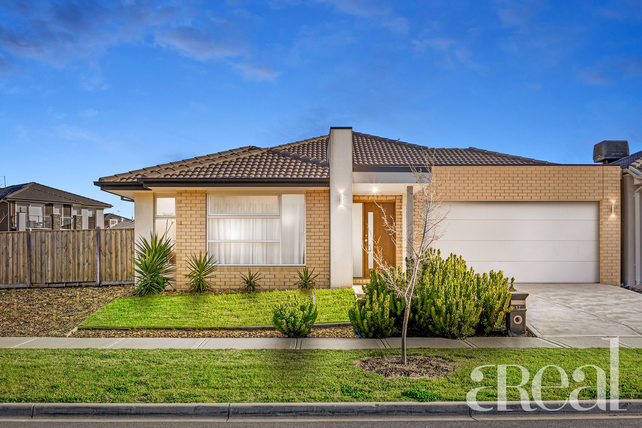 17 Evesham Drive, Point Cook VIC 3030