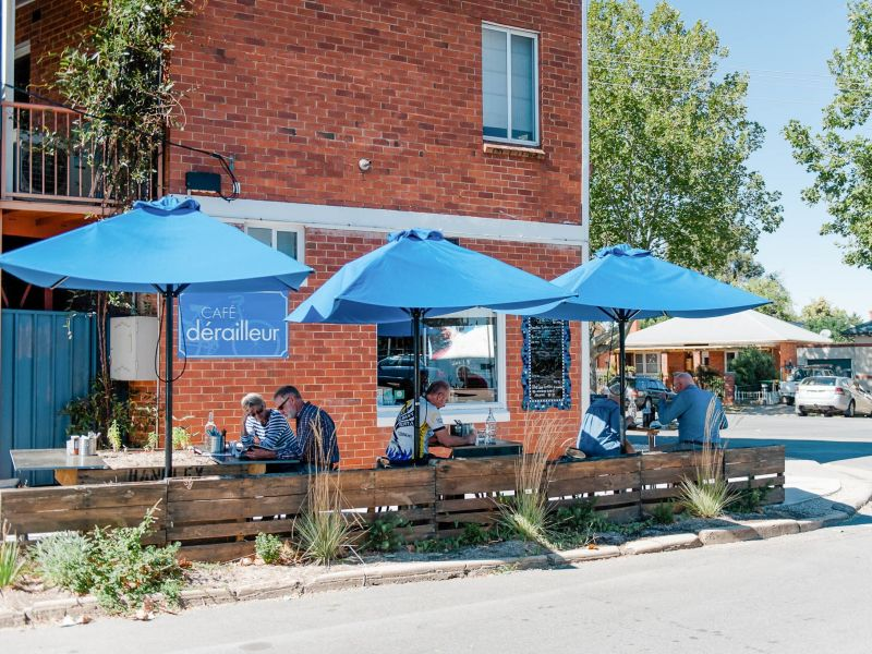 CAFE DERAILLEUR - BUSINESS & FREEHOLD