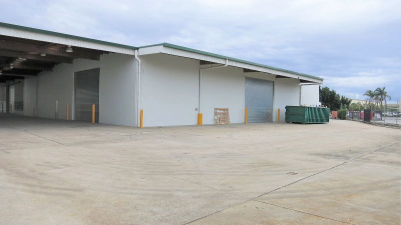 Prime Large Industrial Warehouse with Hardstand