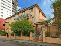 3 bedroom in heart of Burwood, timber floor